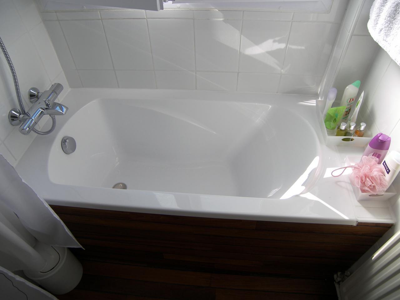 Salle de bains for Baignoire balneo 150x70